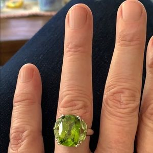 Jewelry - 4 Carat Peridot set in solid Sterling Silver Ring